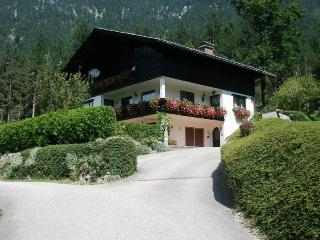 Gorgeous 6 bed house balcony, garden, wifi, sauna - Flachau vacation rentals