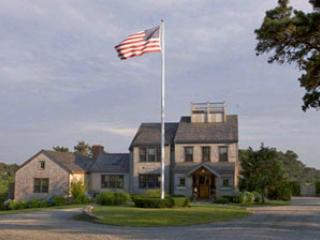 5 Bedroom 5 Bathroom Vacation Rental in Nantucket that sleeps 10 -(9934) - Image 1 - Nantucket - rentals