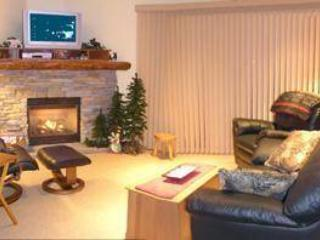 Relax and unwind in the comfort of our special home. - Trails Edge hosted by Bob and Sheryl Bjerk - Sun Peaks - rentals