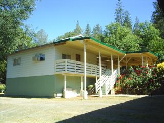 Yosemite JuniperCrest Vacation Apartment - Midpines vacation rentals