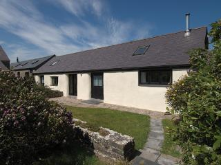 Five Star Pet Friendly Holiday Home - The Byre, Castlemartin - Castlemartin vacation rentals