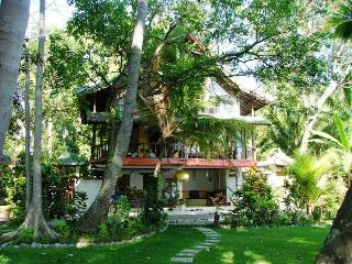 Sunrise Beach House Bali Indonesia - Tejakula vacation rentals