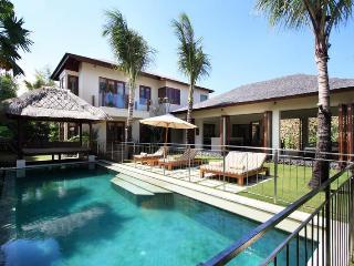 5 BR Villas in the Heart of Seminyak w/pool fence - Seminyak vacation rentals