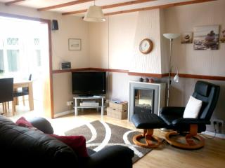 Pet Friendly Holiday Cottage - Cartwrights Cottage, Ivy Tower Village, St Florence - Saint Florence vacation rentals
