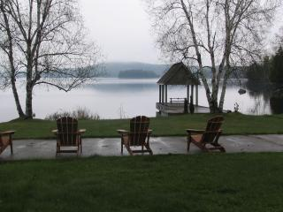 Executive 4 bedroom 4 Acres lakefront in MUSKOKA - Algonquin Park vacation rentals
