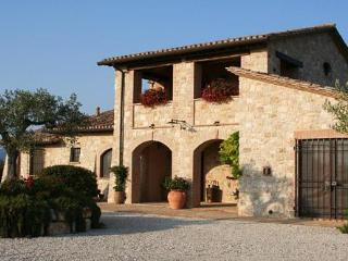 Il Casale di Mele ~ In The Heart of Umbria - Perugia vacation rentals