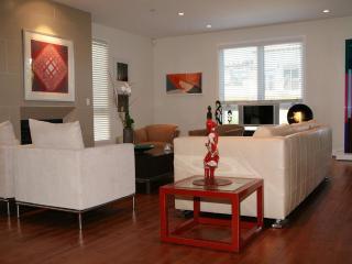 Lux Condo Westwood Fab Locatio open May 5 for 1 mo - Los Angeles vacation rentals