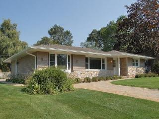 Center Lake Wisconsin Luxury Vacation Getaway - Trevor vacation rentals