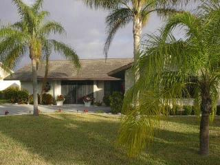 Sailboat Access Pool Home Just Minutes to the Gulf - Cape Coral vacation rentals