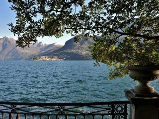 Luxury Lakeshore Villa on Lake Como with Private Dock - Villa Cernobbio - Lake Como vacation rentals