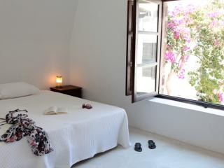 Villa Near Town on Santorini - Villa Lampo - Paris vacation rentals