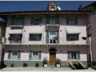 Two rooms in an old building in  Piedmont's heart - Asti vacation rentals