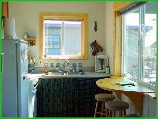 La Serena Cottage: 2bdrm, blocks from the beach - Alaska vacation rentals