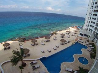 AGUA DULCE B4- 3BR/4Ba Oceanfront, Food Service - Cozumel vacation rentals
