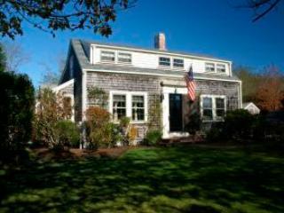 4 Bedroom 3 Bathroom Vacation Rental in Nantucket that sleeps 9 -(9946) - Image 1 - Nantucket - rentals