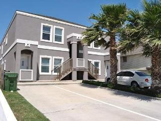 Ground floor vacation condo w/ pool - just down the street from the beach. - Port Isabel vacation rentals