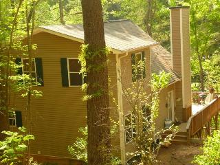 Beautiful Lakefront Home w/ dock on Lake Hiwassee - Smoky Mountains vacation rentals