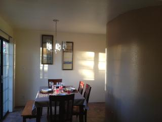 CHARMING TOWNHOUSE , CENTRAL , NEAR  UMC HOSPITAL - Tucson vacation rentals