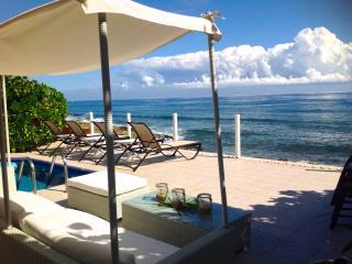 4/4 OCEANFRONT w/Bfast  #1 Trip Advisor SALE $3500 - Puerto Aventuras vacation rentals
