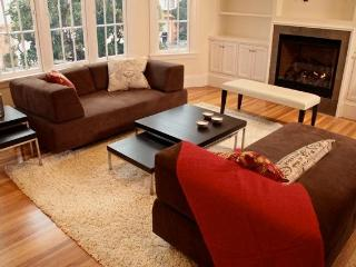 SPACIOUS, NEWLY-REMODELED FLAT w/PARKING - San Francisco vacation rentals