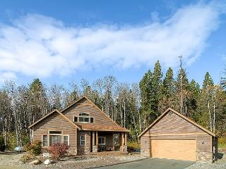 Highly Appointed Cabin Near Suncadia| Hot Tub, Game Room,Pool, Slps8 - Cle Elum vacation rentals