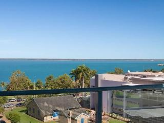 Darwin City Ocean Views -2 bdr 2 bath +Pool +Views - Darwin vacation rentals