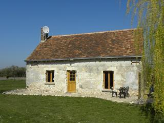 Romantic Loire Valley Cottage -1 bedroom; sleeps 4 - Loire Valley vacation rentals