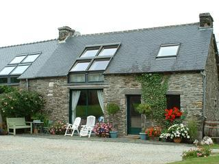 Triton Cottage, Central Brittany, sleeps 6 + 1 - Kernascleden vacation rentals