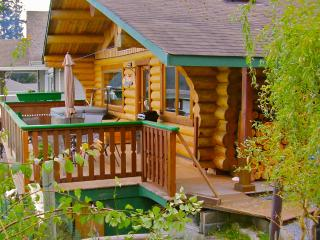 Sand Dollar Log Cabin, Water Front, Hot Tub, BC - Vananda vacation rentals