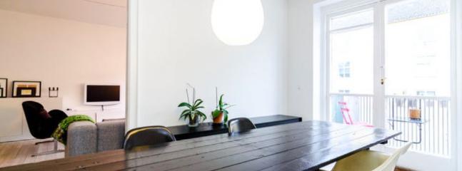 Sankt Annae Gade Apartment - Copenhagen apartment with balcony, close to the Metro - Copenhagen - rentals