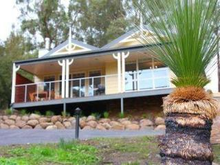 5 Star self contained luxury units in Yarra Valley - Gembrook vacation rentals
