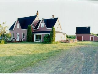 Weekly Cottage Rental near sand dune beach in PEI - Prince Edward Island vacation rentals