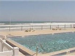 NSB Oceanside townhome 2Bd 2.5Ba pet  friendly - Image 1 - New Smyrna Beach - rentals