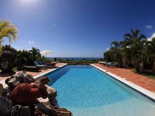 LA PERGOLA...Beautiful tropical retreat w/ 4 master suites Great Couples Villa...Fully Air Conditioned! - Terres Basses vacation rentals