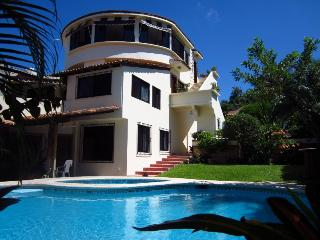 Luxury Casa Lily Penthouse +Pool, Beach & *VIEWS! - Puerto Escondido vacation rentals