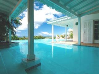 LA JOSEPHINE... Great 7 BR Family Villa... Huge Pool with Gazebo & Outdoor Entertainment Area! - Terres Basses vacation rentals