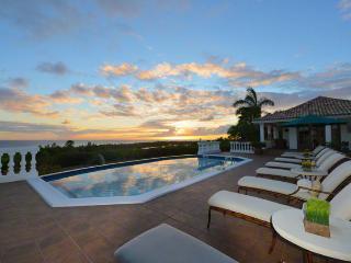 MER SOLEIL...  enjoy beautiful sunset views of the Caribbean , La Samanna Hotel and Baie Long Beach - Terres Basses vacation rentals