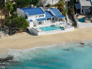 CARIBBEAN BLUE...beachfront home in Pelican Key - Pelican Key vacation rentals