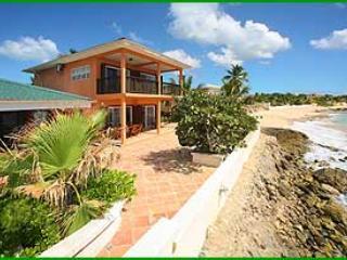 Coral Breeze...Bourgeau Bay, St. Maarten - CORAL BREEZE...Large affordable beachfront villa! Bring the whole family! - Saint Martin-Sint Maarten - rentals