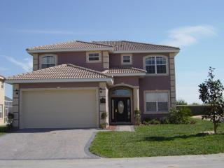 Front of Home - Disney Executive Rental Home - Davenport - rentals