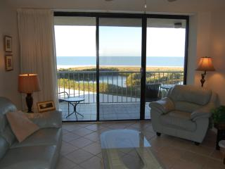 On Beach$725wkTotal Aug.-Nov.Seasonal Rates HIGHER - Marco Island vacation rentals
