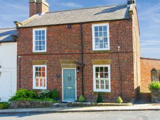 CROFT VIEW, pet friendly, luxury holiday cottage, with open fire in Robin Hood'S Bay, Ref 6735 - Ruswarp vacation rentals