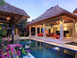 LUXURIOUS VILLA MAJU central Seminyak 3 bedrooms - Seminyak vacation rentals