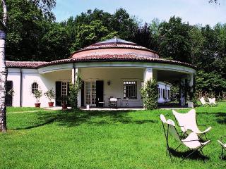 Beautiful Villa with Views Close to Shore of Lake Maggiore  - Villa Arona - Meina vacation rentals