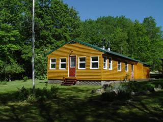 Lakefront Cabin near Baxter Park & Mt. Katahdin - Maine Highlands vacation rentals