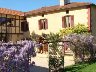 Visit Paradise! - Montrejeau vacation rentals