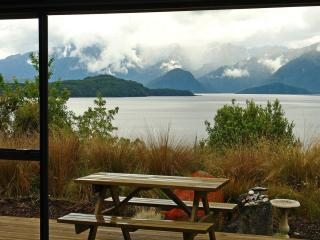 Captain's Lookout and Simply Manapouri - Manapouri vacation rentals