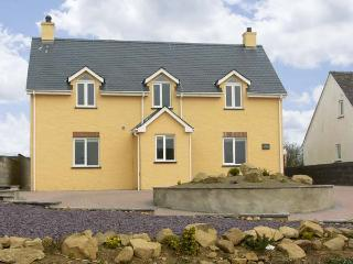 LLAIN GWYNFOR, family friendly, luxury holiday cottage, with a garden in St Davids, Ref 5617 - Saint Davids vacation rentals