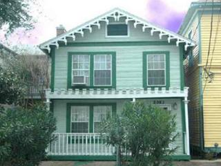 "Set your clock for ""Island Time"" in this historic home in Galveston. - Bacliff vacation rentals"