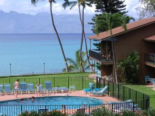 OCEANFRONT MAUI, 2B,2B BOOK NOW FOR 2016 AFFORDABL - Lahaina vacation rentals